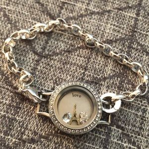Silver origami owl bracelet with charms!